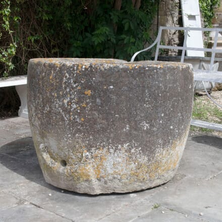 18th Century Circular Stone Trough GA3361544