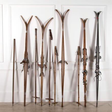 A Collection of Recreational Skis DA1662247