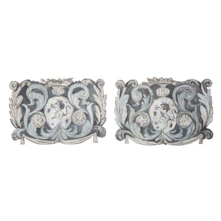 Pair of Italian Heraldic Shields DA3757082