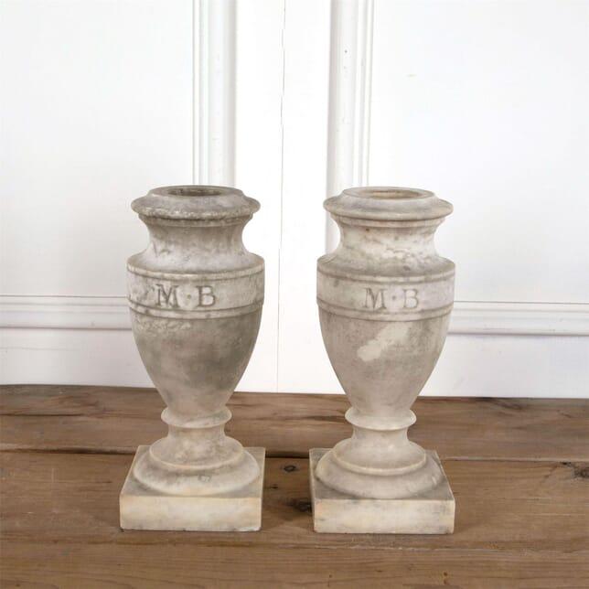 Marble Urns DA1561242