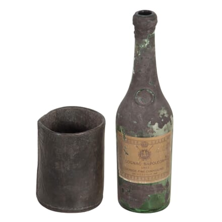 18th Century Bottle and Leather Stand DA367265
