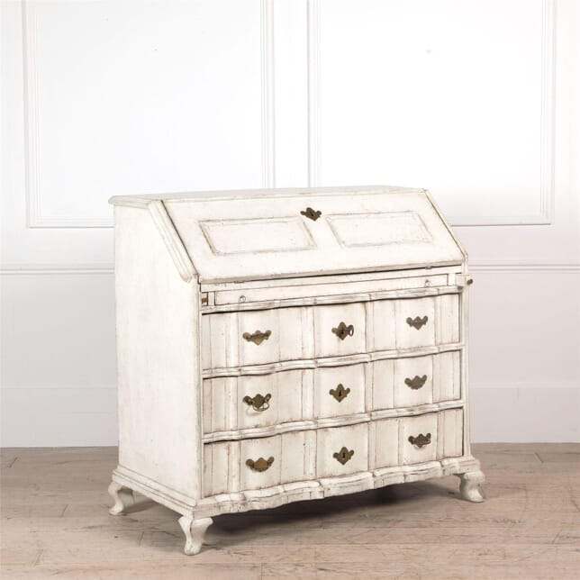 18th Century Swedish Bureau with Curved Decorative Detailing DB6062029