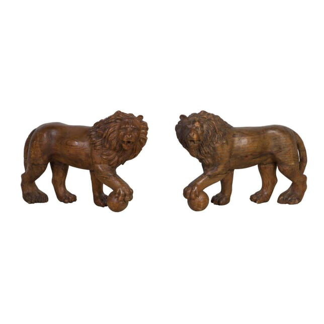 19th Century Carved Pair Medici Lions DA0311831