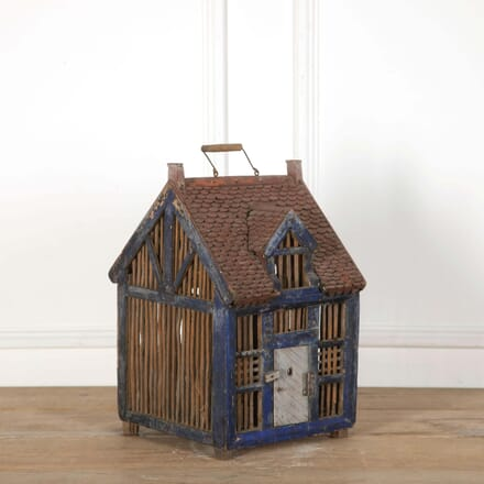 Wooden Birdhouse DA558670